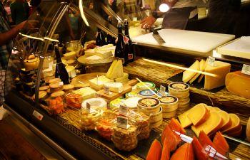 Balade au marché des capucins suivi d'un brunch gourmand !