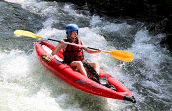 Descente en Kayak gonflable sur les eaux vives basques