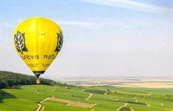 Promenade aérienne en Montgolfière en Montagne de Reims