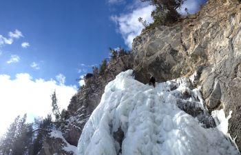 Journée d'Initiation à l'escalade sur glace dans le Queyras