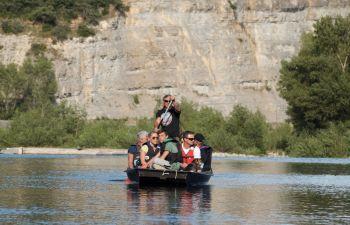 Balade en barque traditionnelle au crépuscule à la découverte des castors