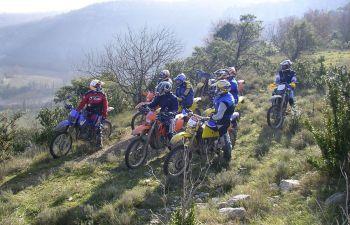 Randonnée à moto en Ardèche