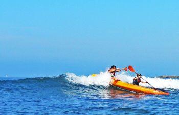 Kayak surf et Wave ski sur les plages de la côte basque, à Socoa