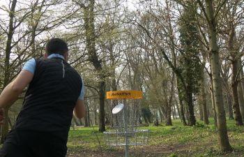 Initiation au disc golf sur la côte d'Opale à Berck