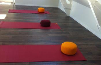 Cours de yoga méditatif en Bretagne