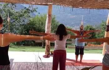 Cours de yoga à la ferme