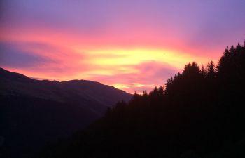 Balade nocturne avec coucher de soleil sur Méribel