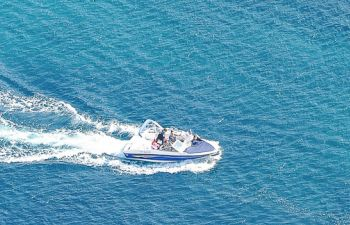 Une demi-journée en mer pour découvrir les Calanques de Marseille