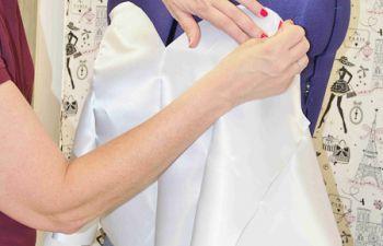 Fait main : apprendre à coudre à la machine avec une couturière