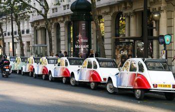 Découverte atypique de la capitale à bord d'une Citroën 2CV