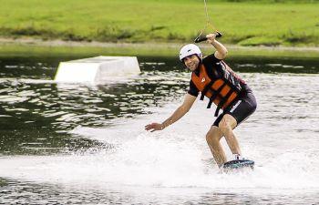 Découverte du wakeboard ou ski nautique écologique