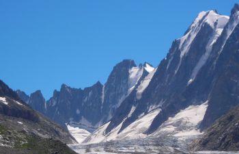 Randonnée estivale au chevet du Glacier d'Argentière